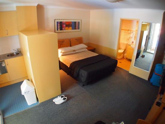 Waldorf Sydney Central Serviced Apartments : The room.