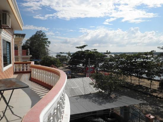 Moha Oudom Hotel: ベランダからの眺めは素敵です。