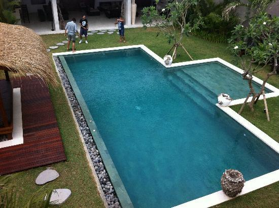 Villa chocolat: Pool from master bedroom