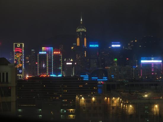Hyatt Regency Hong Kong, Tsim Sha Tsui: 視界を遮るビル以外の夜景