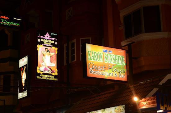 Karon Sunshine Guesthouse, Bar & Restaurant: Karon Sunshine Guesthouse