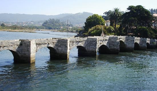 Hotel Arce: Puente Romano