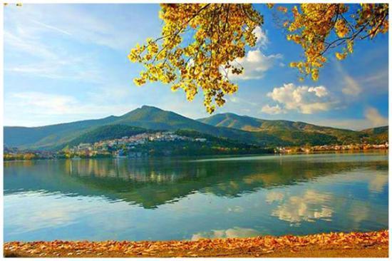 Limneon Resort & Spa: Это Озеро Орестиада в городе Касторья