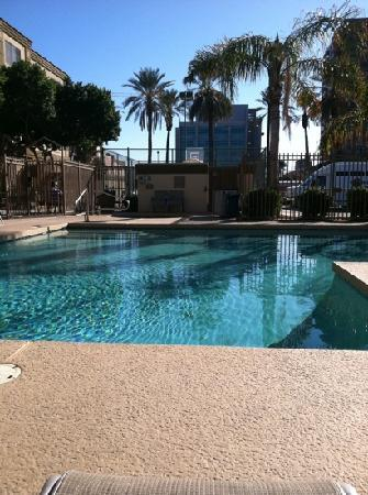 Holiday Inn Express Phoenix Downtown: The Pool Area