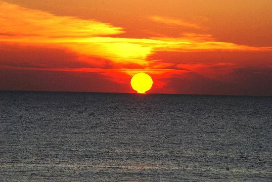 Beachcomber By The Sea: The Sunset from our balcony - Awsome