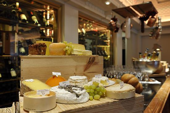 cheese display picture of brasserie 1806 dusseldorf. Black Bedroom Furniture Sets. Home Design Ideas