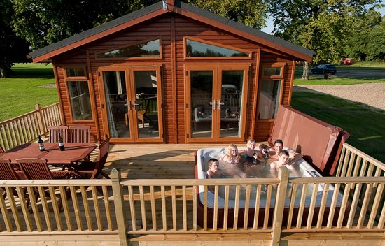 Horham, UK: Elite 2 Cabin Hot Tub