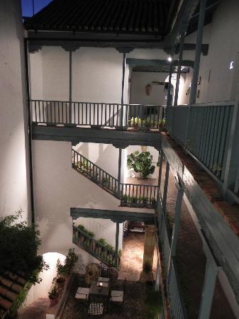 Hospes Las Casas del Rey de Baeza Sevilla: The stairs by night
