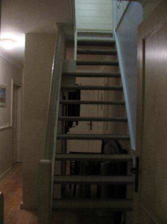 Gasthof Groenhove : Lit entreposé aussi sur le palier du 1er étage