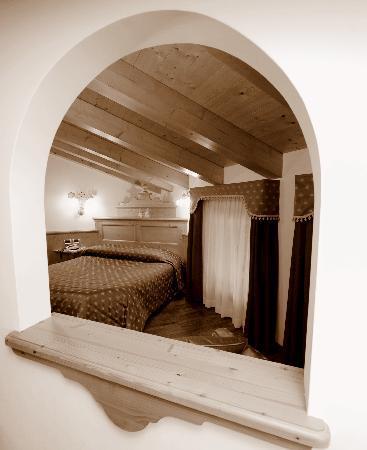 Hotel garni mountain resort commezzadura itali foto 39 s reviews en prijsvergelijking - Kleedkamer voor mansard kamer ...
