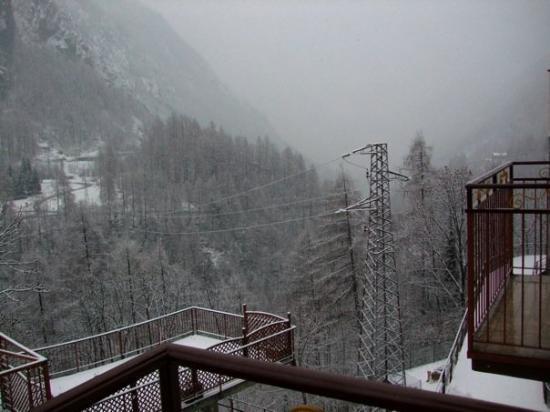 Hotel Palu: View onto the terrace - Jan/Feb 2010