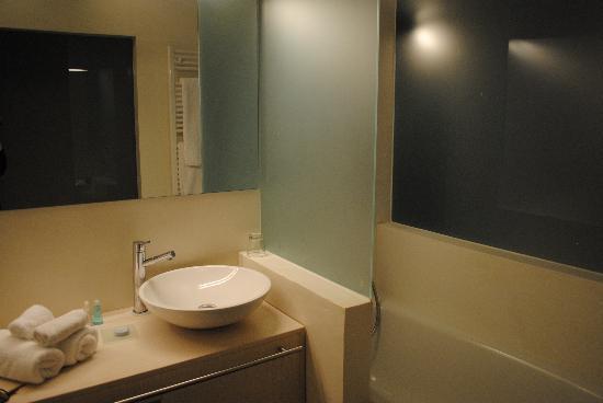 Hotel Schlafstadt: bathroom