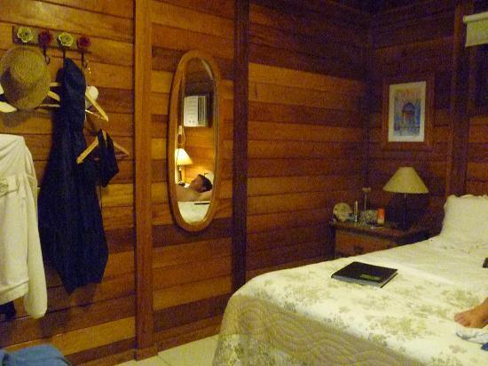 chalet por dentro: fotografía de Aratinga Inn, Ilha Grande ...