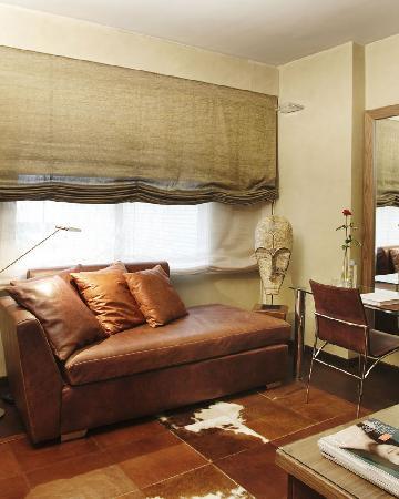 Hotel Gran Derby Suites: Hotel Gran Derby Barcelona 4*