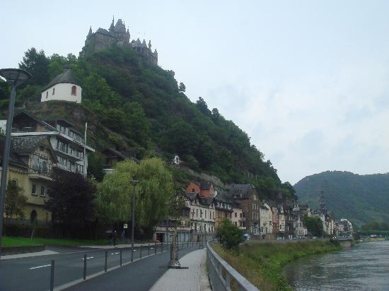 Mosel Valley: Along the River