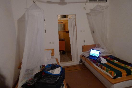 Le Faro : room