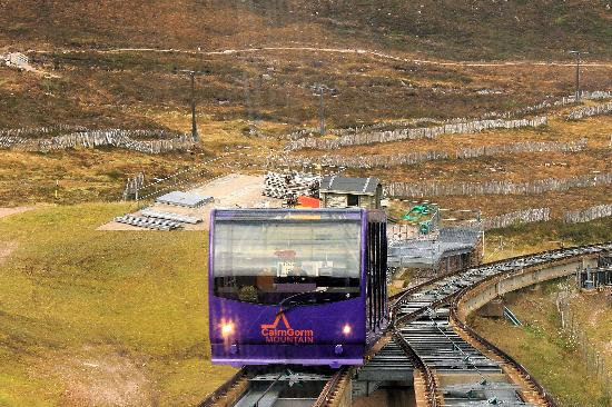 Cairngorms National Park: Going down - meeting the one going up