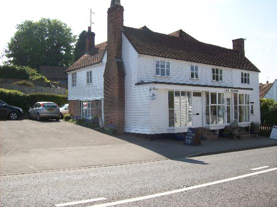 Sandhurst Tearooms : Tearoom frontage