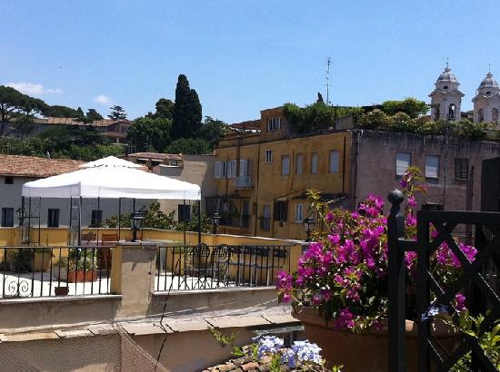 Domus Valeria Bed & Breakfast: Terrace view