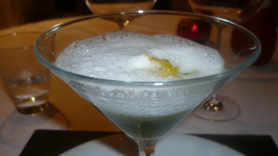 Sangonereta: Mojito: Rum jelly, mint sorbet and lemon foam
