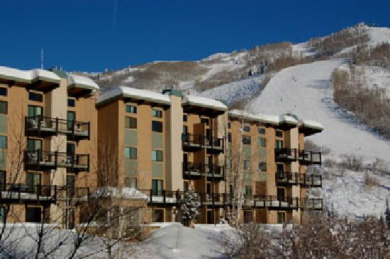 Storm Meadows Club Condominiums : Exterior