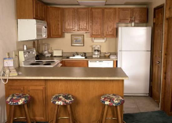 Storm Meadows Club Condominiums : Kitchen