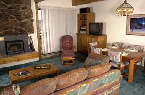 Storm Meadows Club Condominiums: Living Room