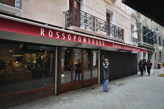 Rossopomodoro Venezia: Rosso Pomodoro - Exterior