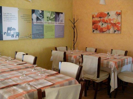 Ristorante Montevicoli - Pizzeria : sala...