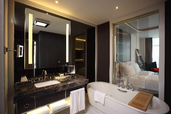 BathroomLe Méridien Istanbul Etiler