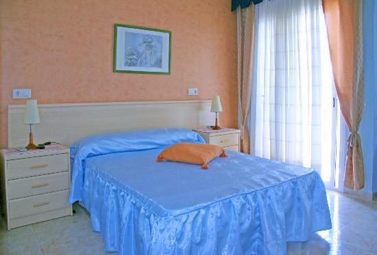 Hostal Agusti: Habitación menos válidos