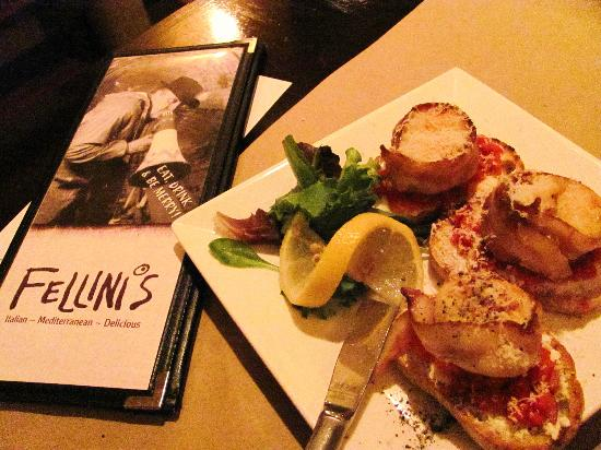 Mercer Hall Inn: Scallops at Fellini's