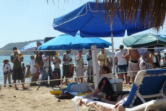 El Cid Castilla Beach Hotel: midweek morning... I see the ocean! (note amp/speaker)