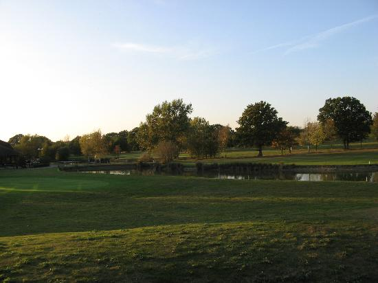 Weald of Kent Golf Course & Hotel: View from room 14 clubhouse left and lake