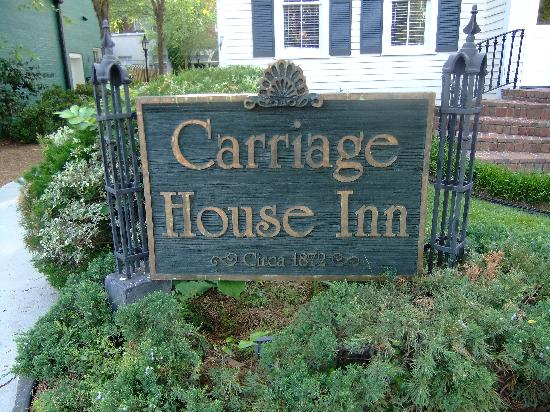 Carriage House Inn: Great find- try it.