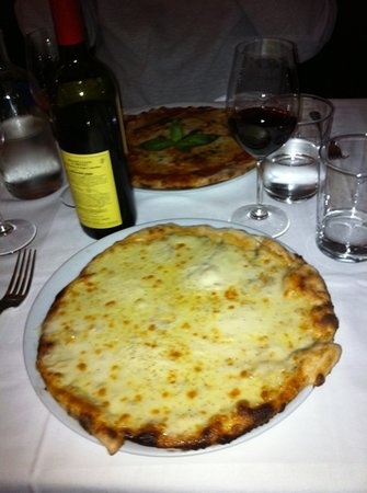 Photo of Italian Restaurant Pizza Chic at 13 Rue De Mezieres, Paris 75006, France