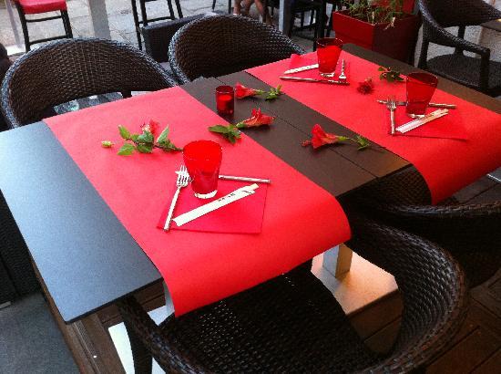 L'Agora : Romantic Arrangement