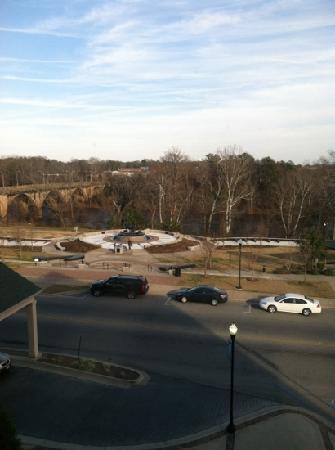 Hilton Garden Inn Albany: Riverwalk across the street.