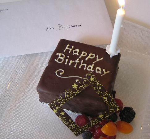 Grand Hotel Kronenhof: surprised birthday cake