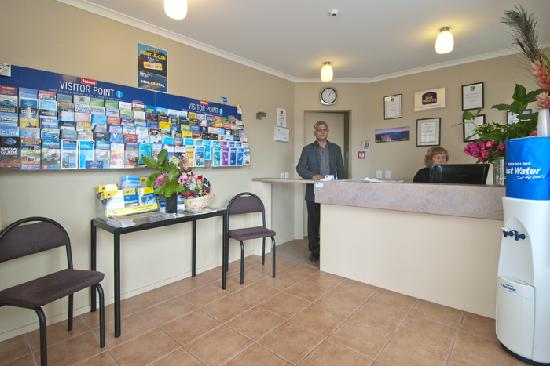 Best Western BK's Pioneer Motor Lodge: Our friendly staff are available 24/7 at reception.  Check-in any time.