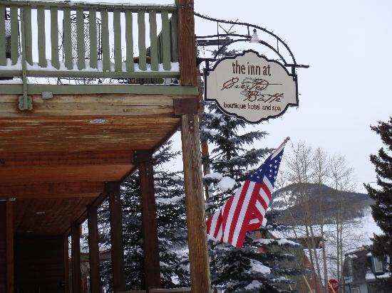 Inn at Crested Butte: Front of the inn