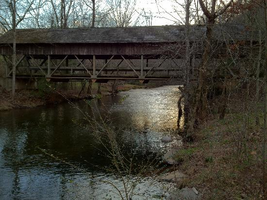 Walland, TN : Covered Bridge