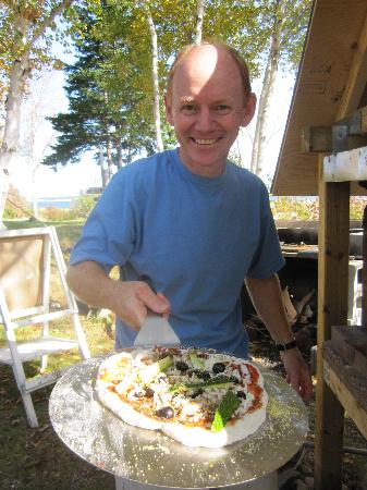 Cabot Shores Wilderness Resort: Outdoor Wood Fired Pizza