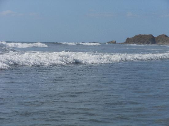 Nosara Beach (Playa Guiones): Surf's up!