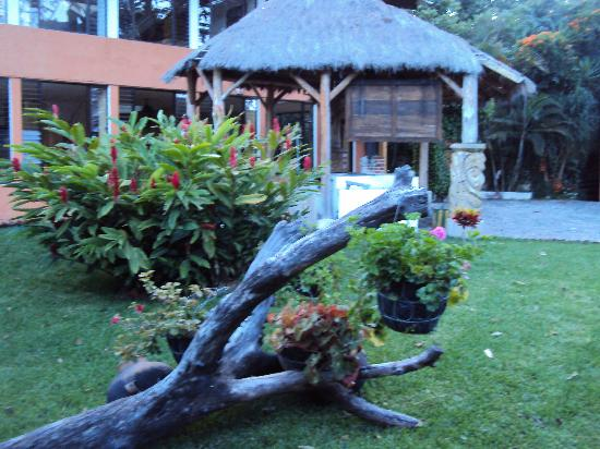 Hotel Posada de Don Rodrigo Panajachel: jardin interior