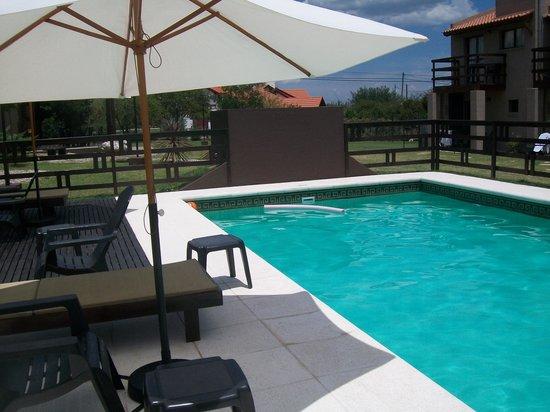 La Ludmila Apart Hotel: La hermosísima piscina
