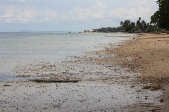 Nongsa Village: very  quite beach