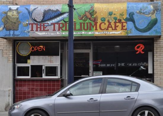 Trillium Cafe: The outside