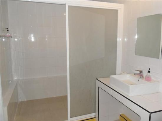 LemonSeed Rooms : Big Shower Stall