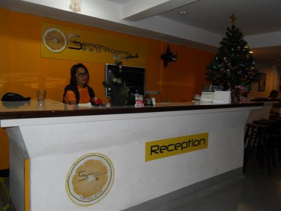LemonSeed Rooms: Reception Desk